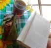 Coffee, homemade sweet corn tamales, and a good book. Sure beats rush hour ✌🏽️☕️🌽📚